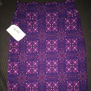Small LuLaRoe Cassie pencil skirt. Pink & purple.